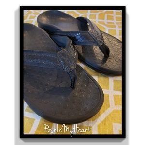 Women's Vionic flip flops!